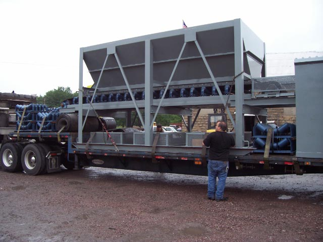 8 x 16 Feed hopper w 36 belt 1