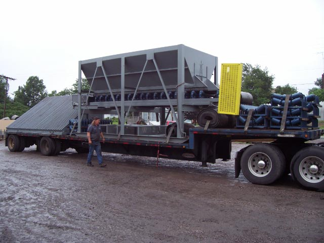 8 x 16 Feed hopper with Grizzly Frame 2